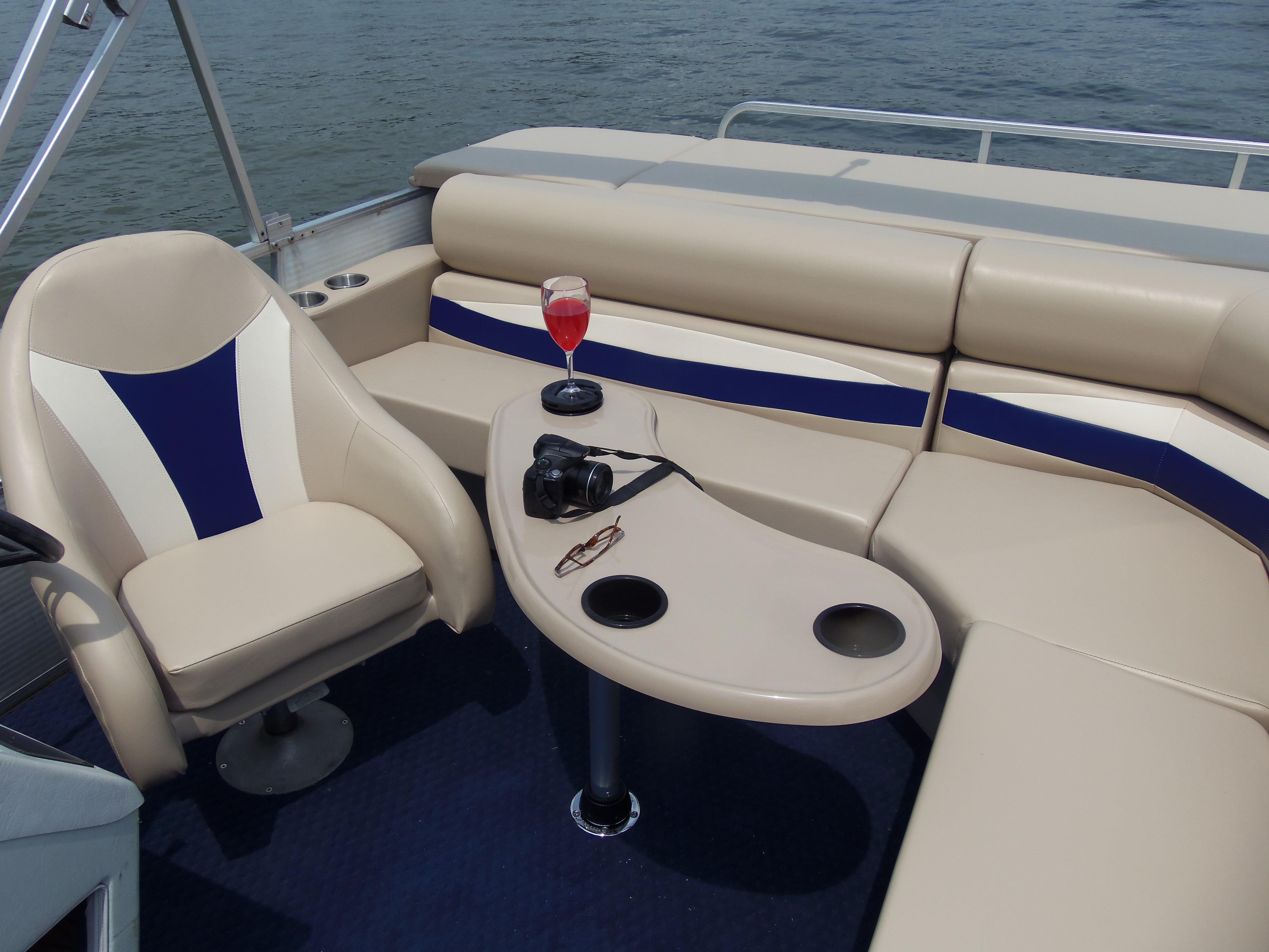 Tan Kidney Fiberglass Boat Table w/Black cupholders